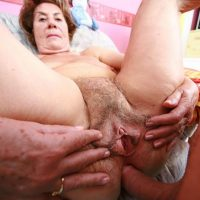 vieille anal jeune dominatrice