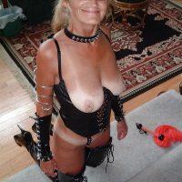 Webcam sexy à Nouméa avec une vieille dominatrice