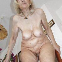 Annonce vieille femme sexy de 75 ans à Lille