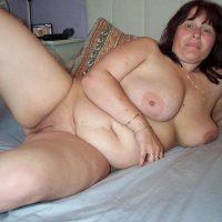 Nathalie mature ronde chaude pour se faire enculer
