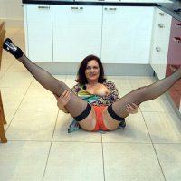 Olga vieille femme sexy à niquer dans sa cuisine