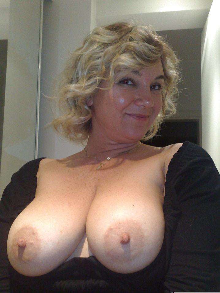 barbara blonde bbw sperme sur miches