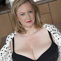 Rencontre sodomie avec Suzanne, grosse  et divorcée