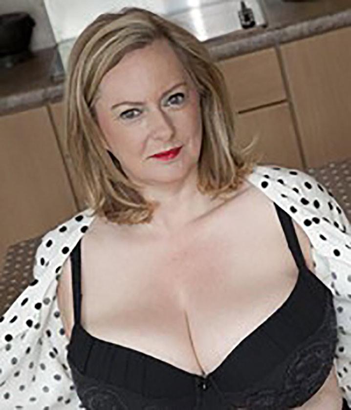 suzanne 53ans grosse divorcee rencontre sodomie