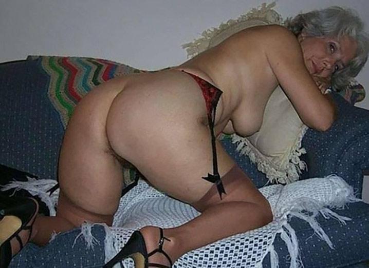 yolande maman bretonne offre son cul