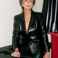 RDV Hardcore avec Denise, maîtresse femdom