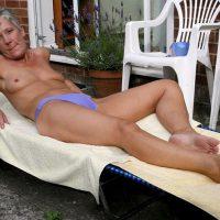 Fabienne, mamie chaudasse à enculer sur sa terrasse