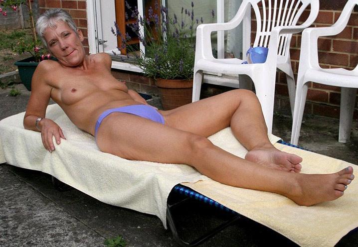 fabienne mamie chaudasse a enculer sur sa terrasse